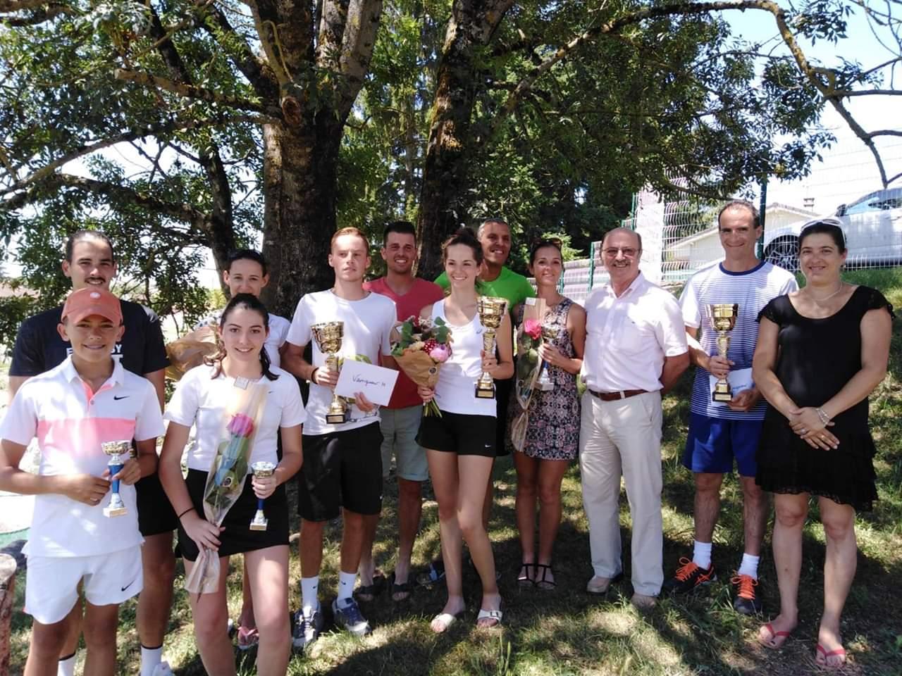 La Mairie présente à l'Open d'été Simples & Doubles du Tennis Club