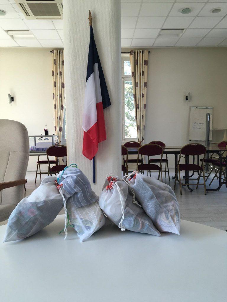 La Commune fait don de masques et de gants aux Aides à domicile charvieulandes !