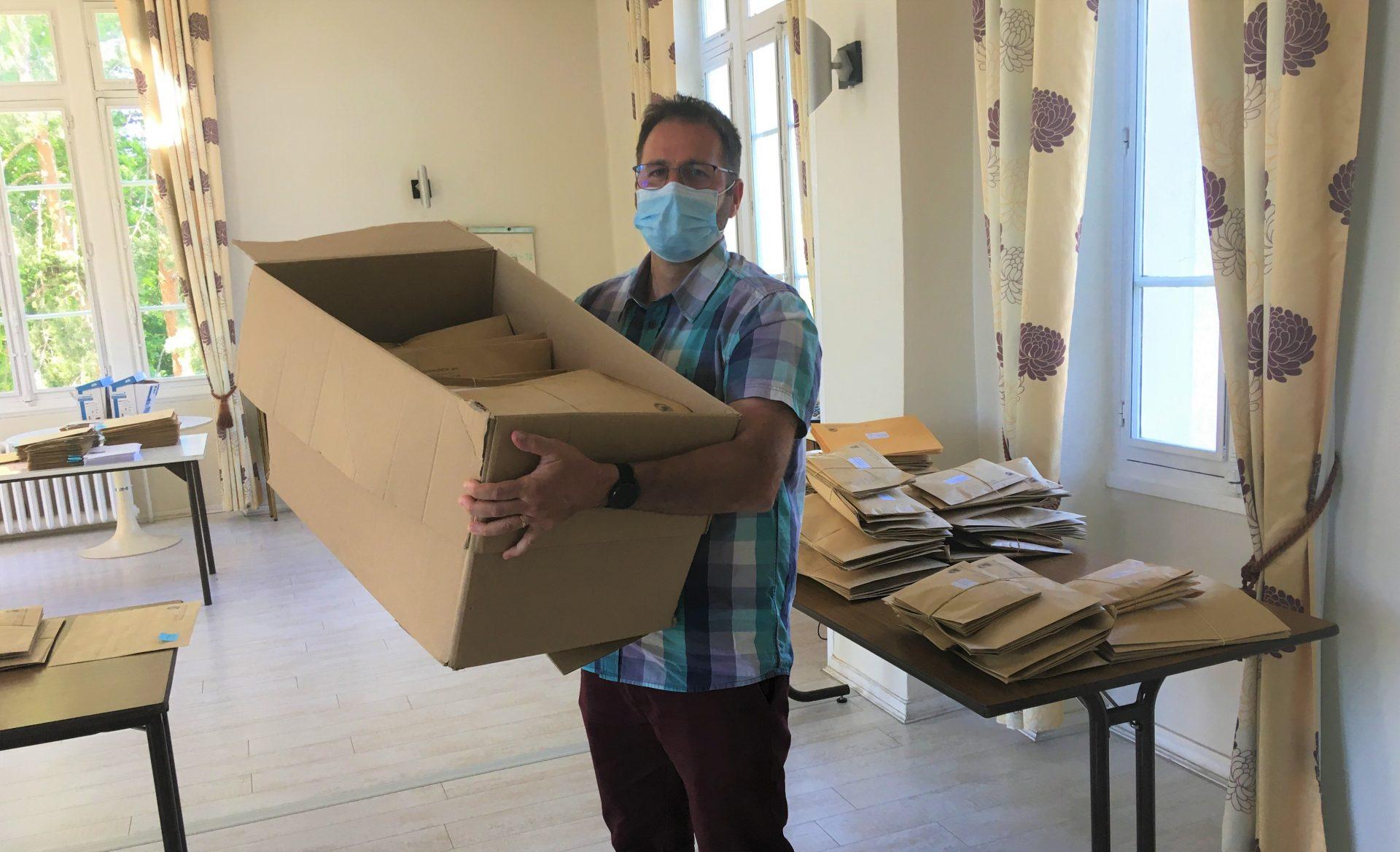 Fin de distribution des masques du Conseil Régional et gestion des problèmes de distribution